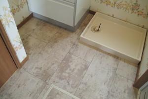 洗濯器置場/床はフロアタイル